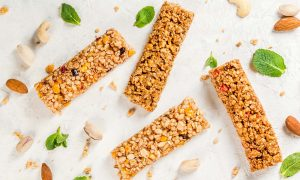 three-delicious-vegan-protein-bar-recipes